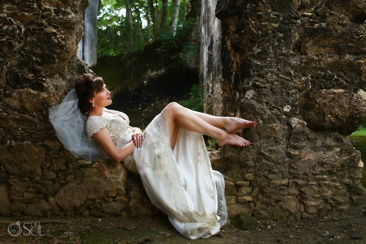 Bride wedding portrait fine art , ruins Hacienda Uayamon, Campeche, Mexico