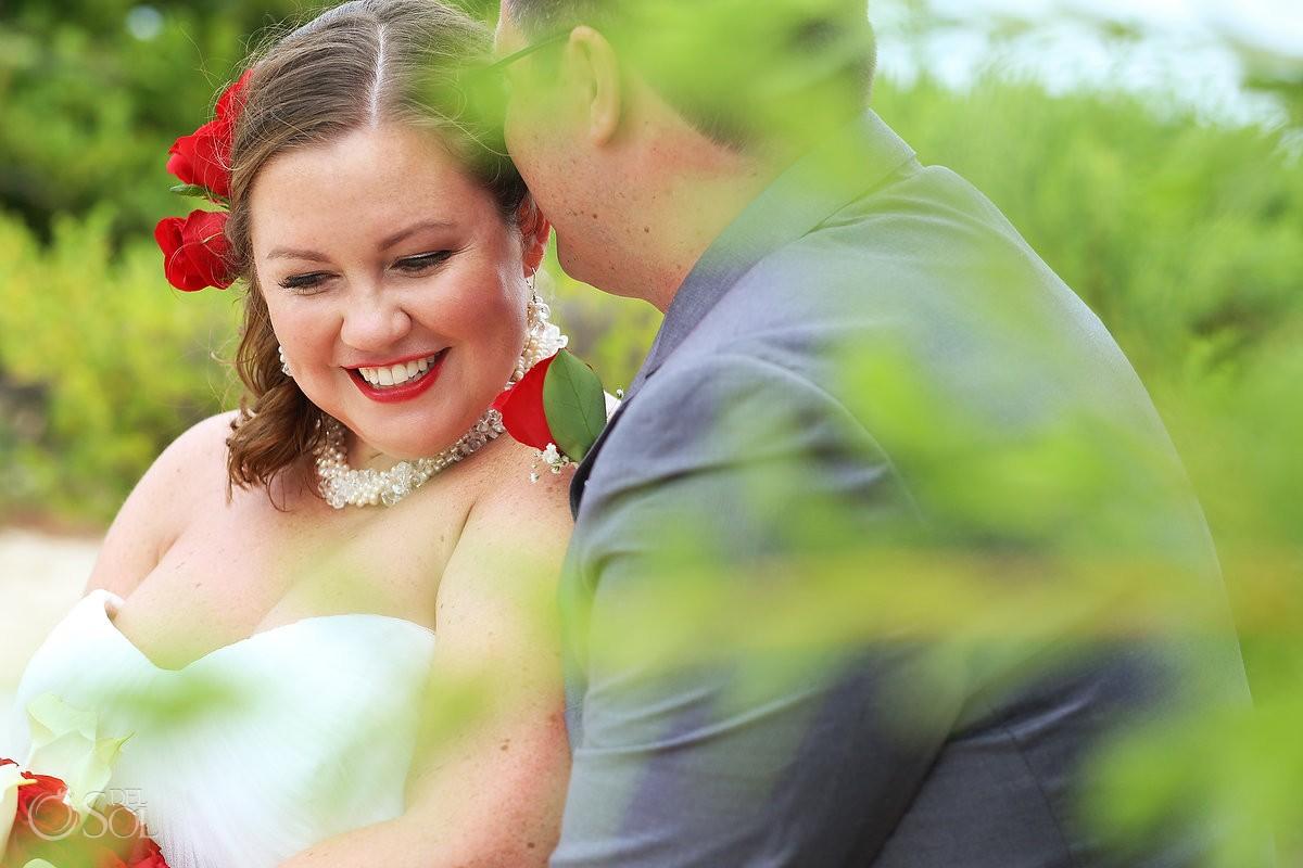 bride and groom wedding portrati at now jade hotel mexico