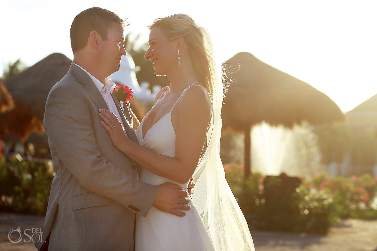 wedding portrait golden hour Now Sapphire Riviera Cancun