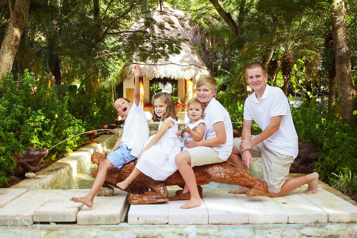 50th Wedding Anniversary family portraits, Belmond Maroma gardens, Playa del Carmen Mexico