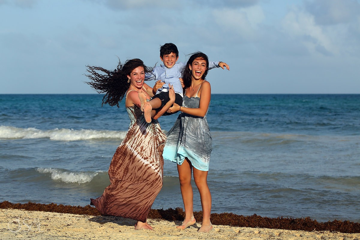 older sisters younger brother, Family Portraits Belmond Maroma, Playa del Carmen, Mexico