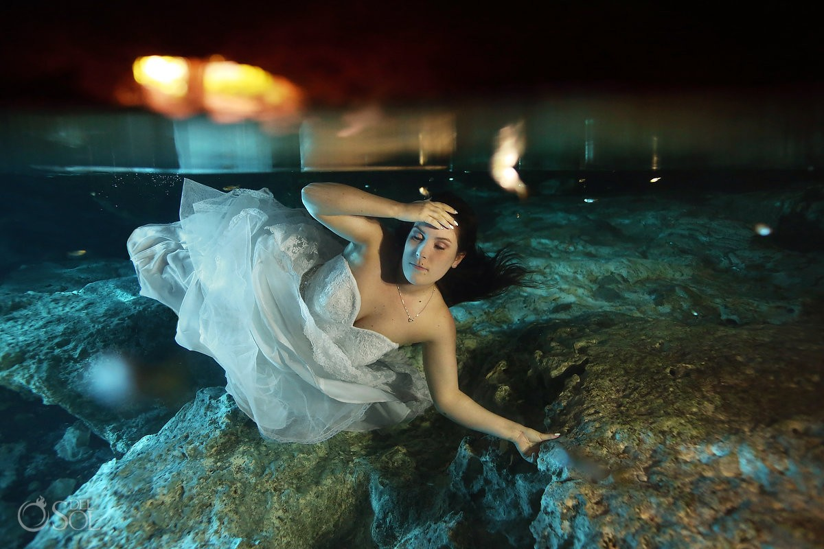 bride underwater, cenote Trash Dress, Riviera Maya, Mexico.