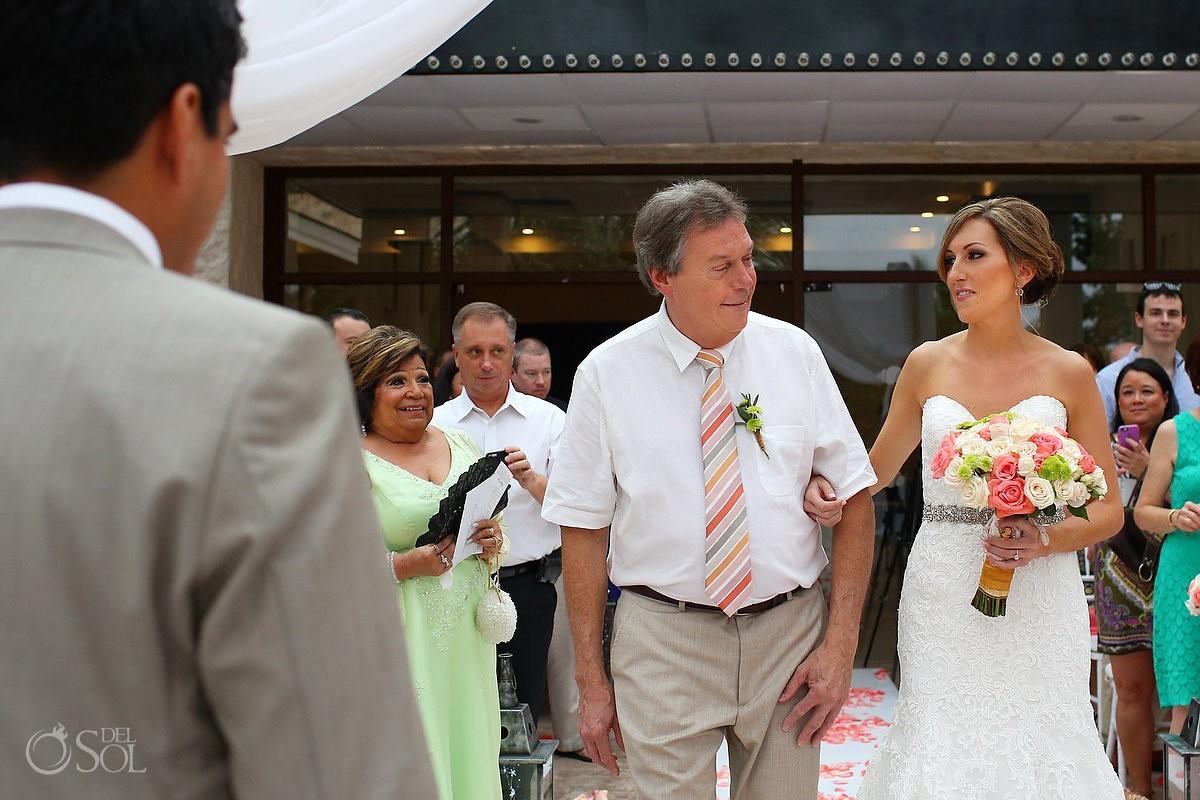 presentation bride father daughter smile, rain Wedding Dreams Riviera Cancun Resort, Mexico