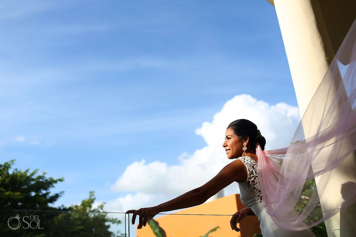Bridal portrait head clouds vestido David Salomon wedding dress