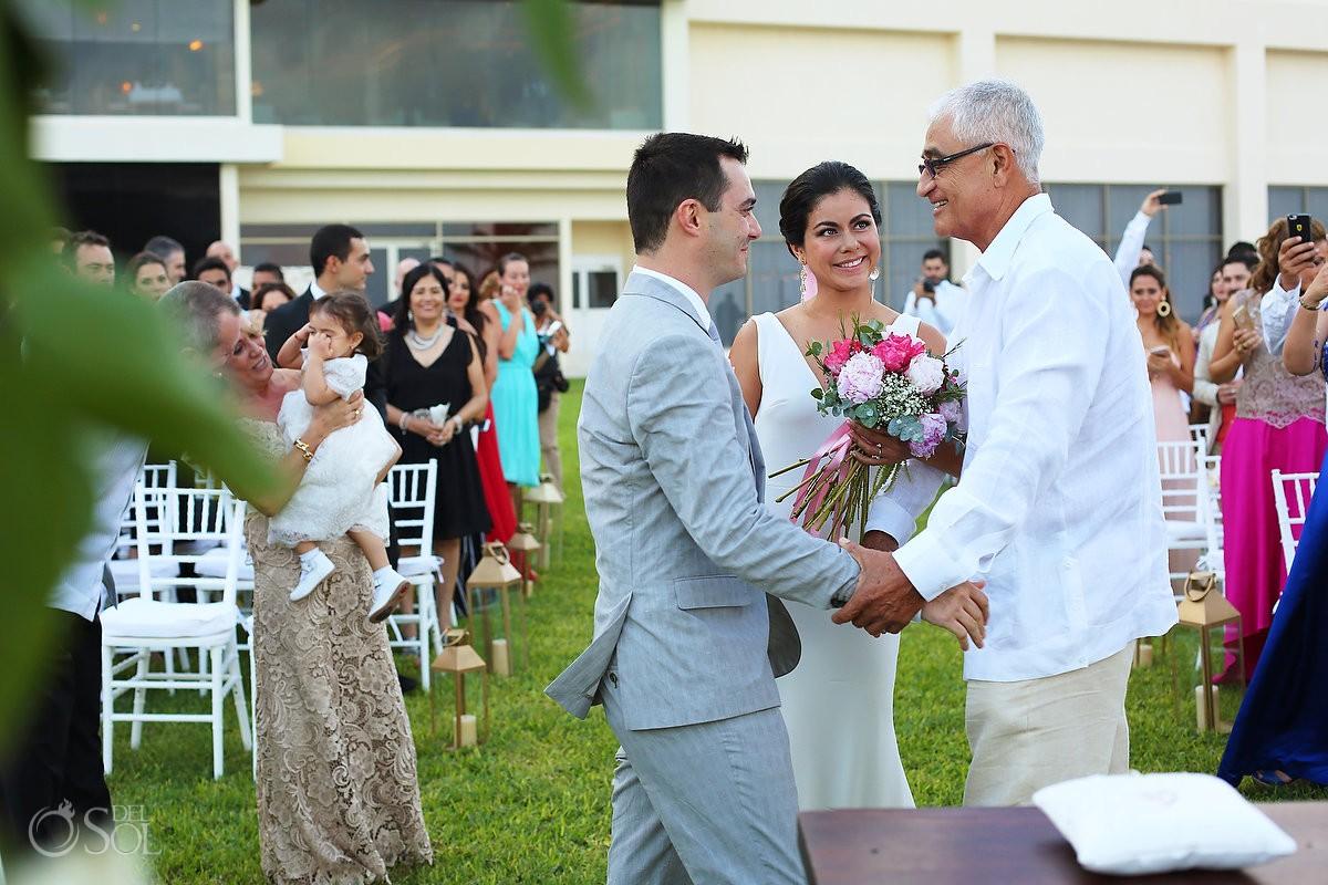 presentation bride groom father, garden Wedding Iberostar Cancun, Mexico