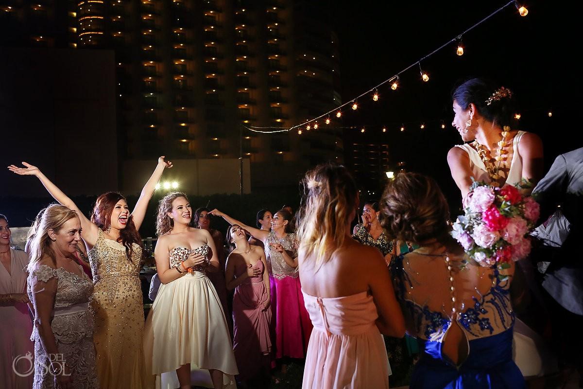 Bocquet toss garden wedding reception, Iberostar Cancun, Mexico