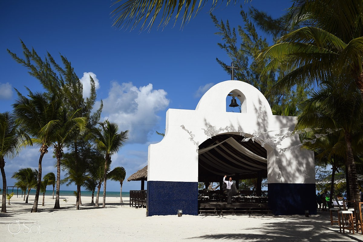 Catholic church chapel wedding Capilla Jesucristo Pescador, Isla La Pasion, Mexico