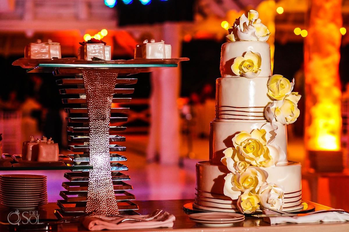 wedding cake detail, Wedding reception MK Blue, Banyan Tree Mayakoba, Riviera Maya, Mexico