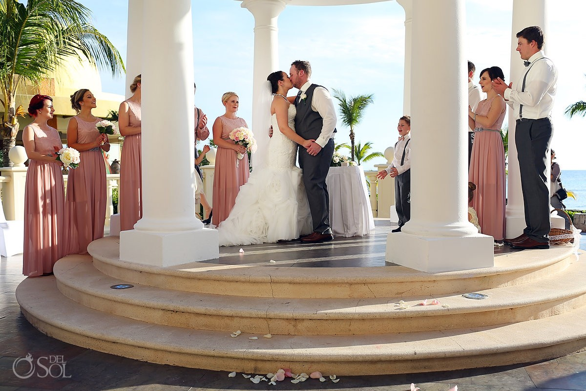first kiss, Barceló Maya Palace Deluxe gazebo wedding, Riviera Maya, Mexico