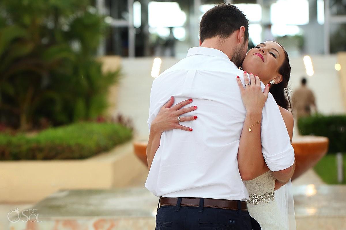 first look bride groom emotional hug, Wedding Now Jade, Puerto Morelos, Mexico