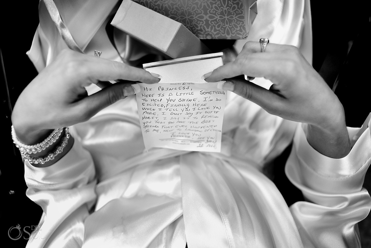 bride eye view reading groom note, black white, getting ready, beach wedding Now Sapphire Riviera Cancun, Mexico