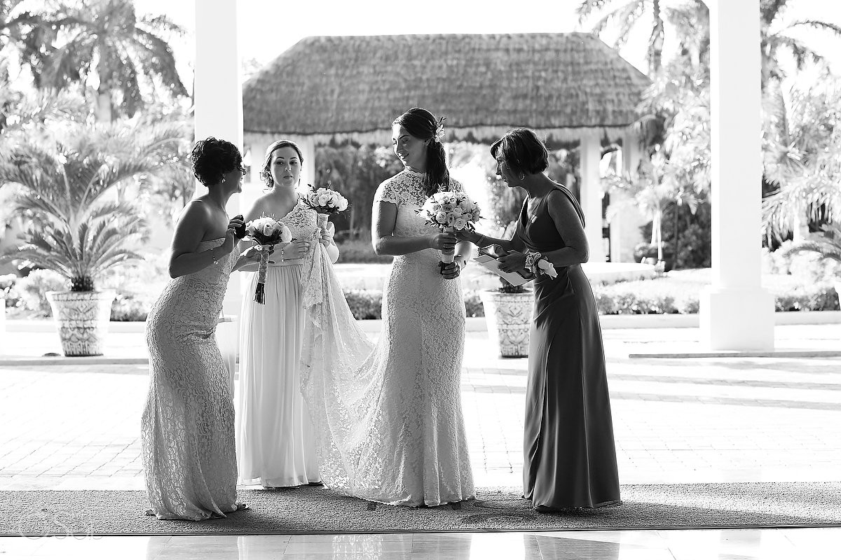 bride and bridesmaids at Now Sapphire Riviera Cancun, Riviera Maya