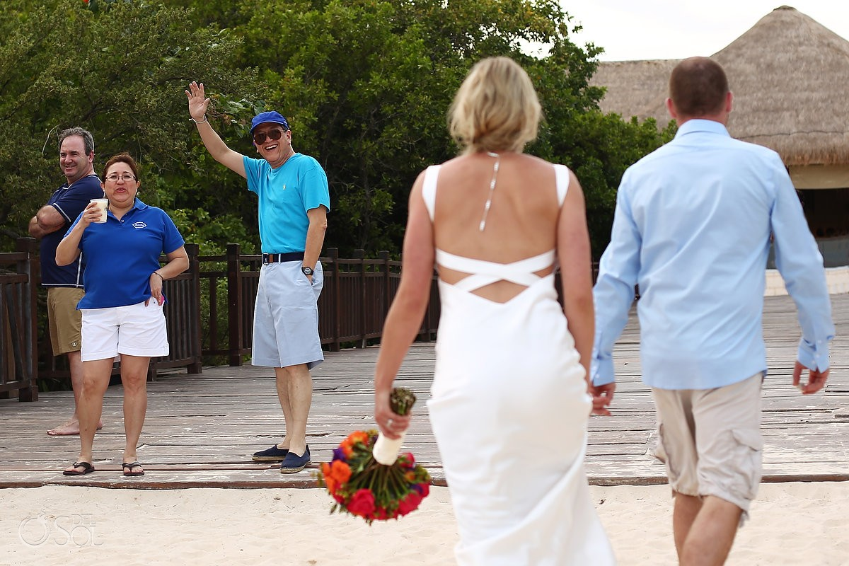 guest cheer bride groom, Elopement Paradisus, Playa del Carmen, Mexico