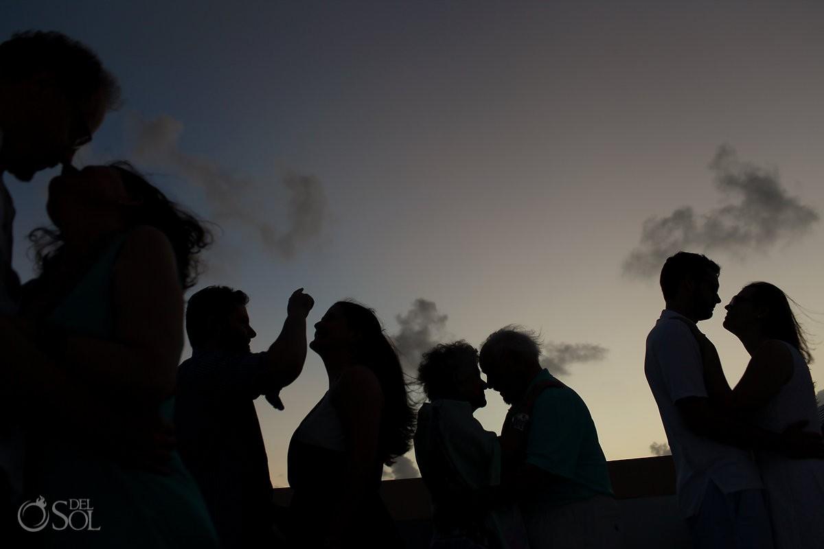 fun family silhouette, Casa la Roca Family Portraits, Puerto Aventuras