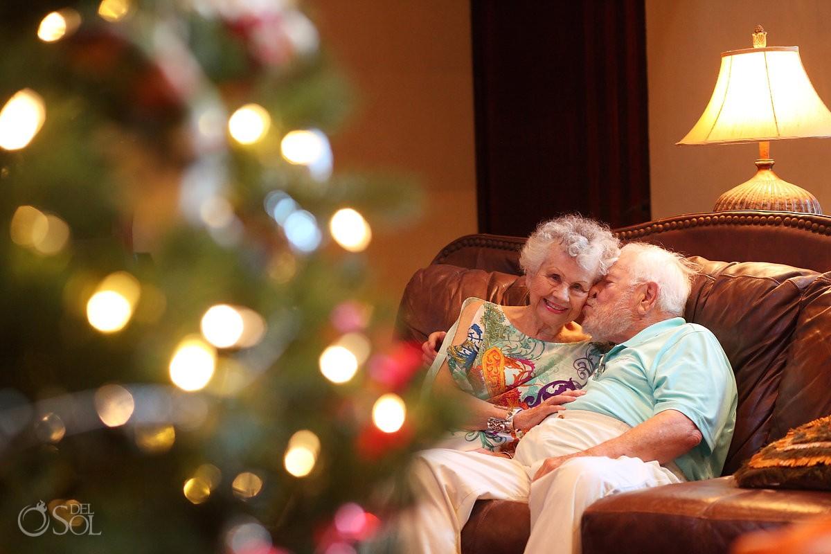 grandma grandpa hugging sofa christmas tree, Casa la Roca Family Portraits, Puerto Aventuras