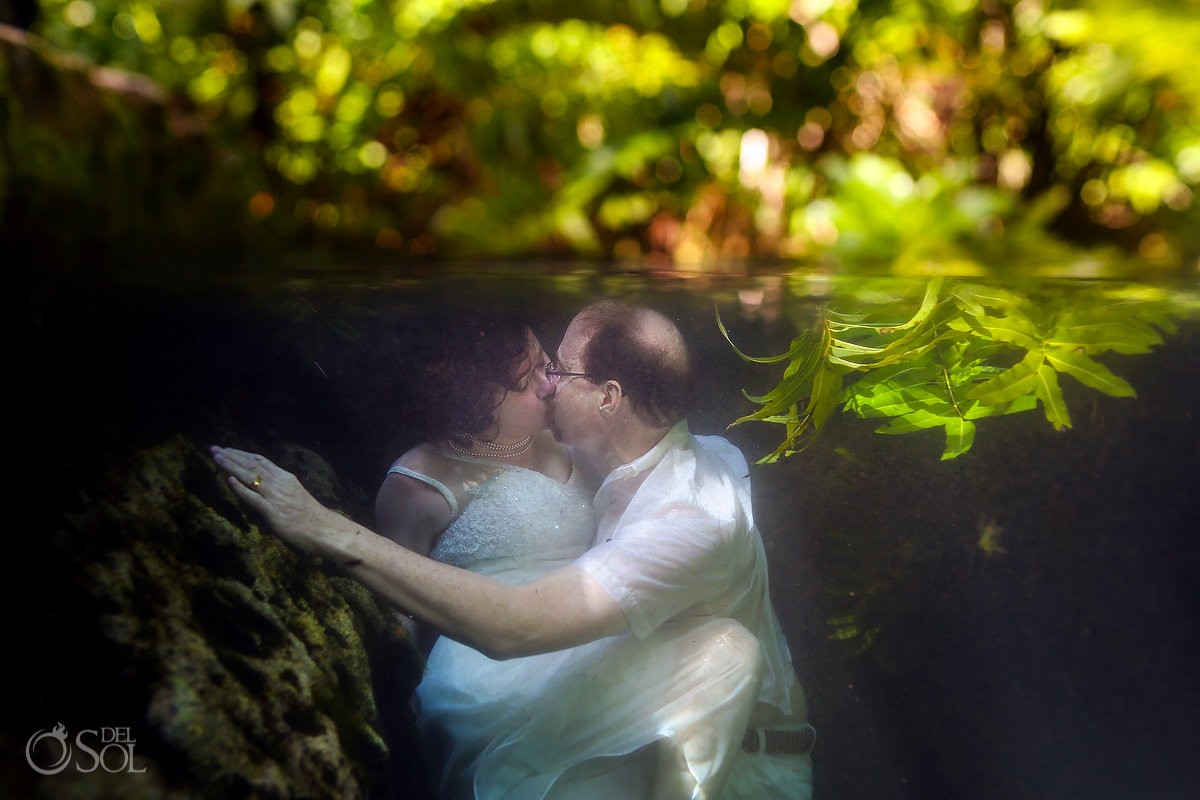 underwater photography, artistic wedding portrait, Cenote Trash the Dress, Riviera Maya, Mexico