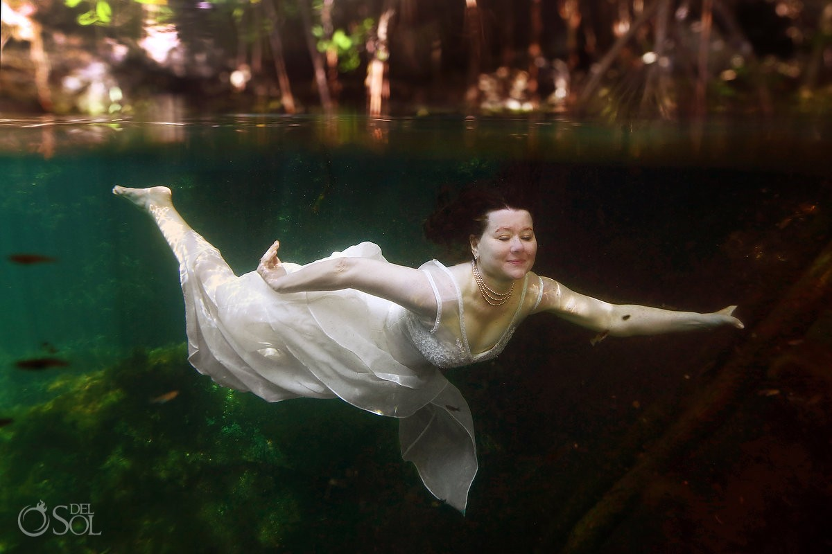 underwater mermaid bride, artistic wedding portrait, Cenote Trash the Dress, Riviera Maya, Mexico