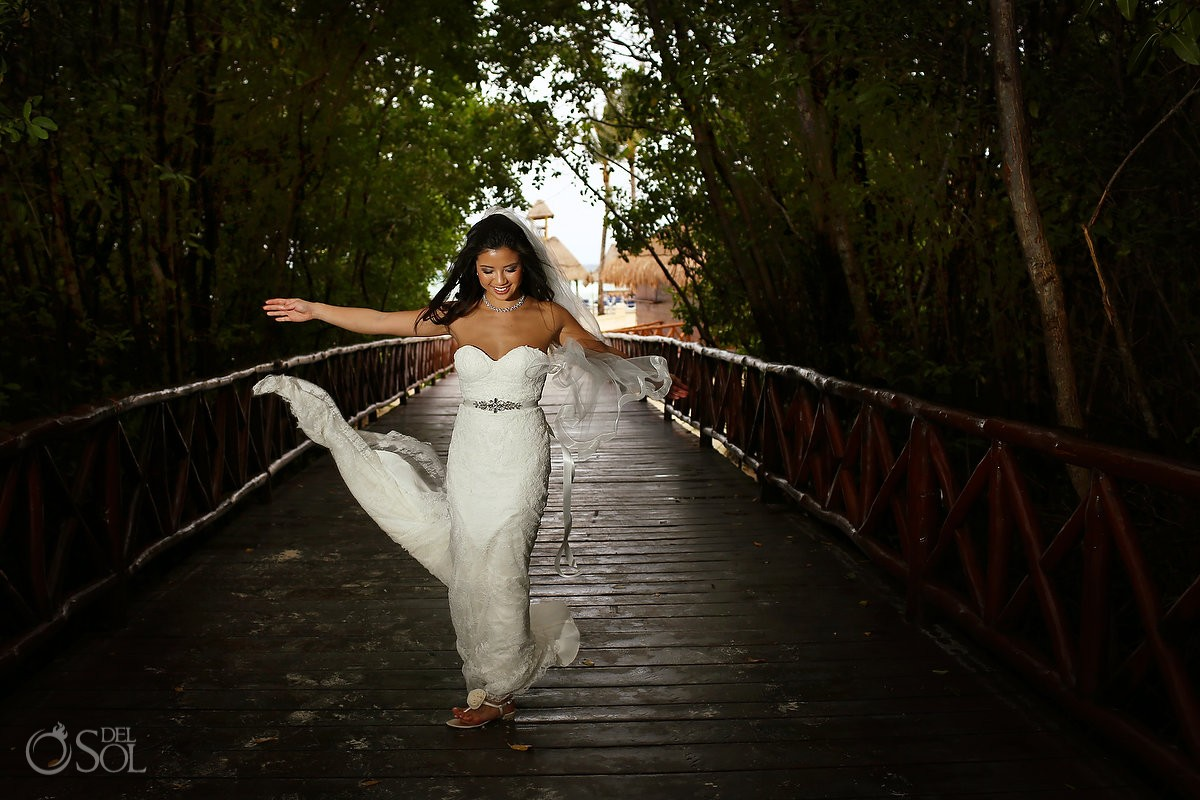bridal portrait bridge, Rain Wedding Hotel Grand Sunset Princess, Playa del Carmen, Mexico