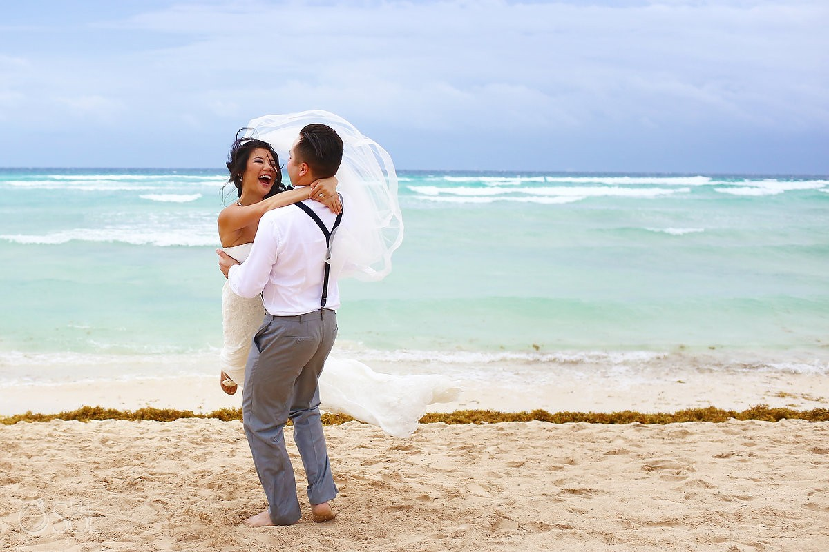 Beach portrait Rain Wedding Hotel Grand Sunset Princess, Playa del Carmen, Mexico