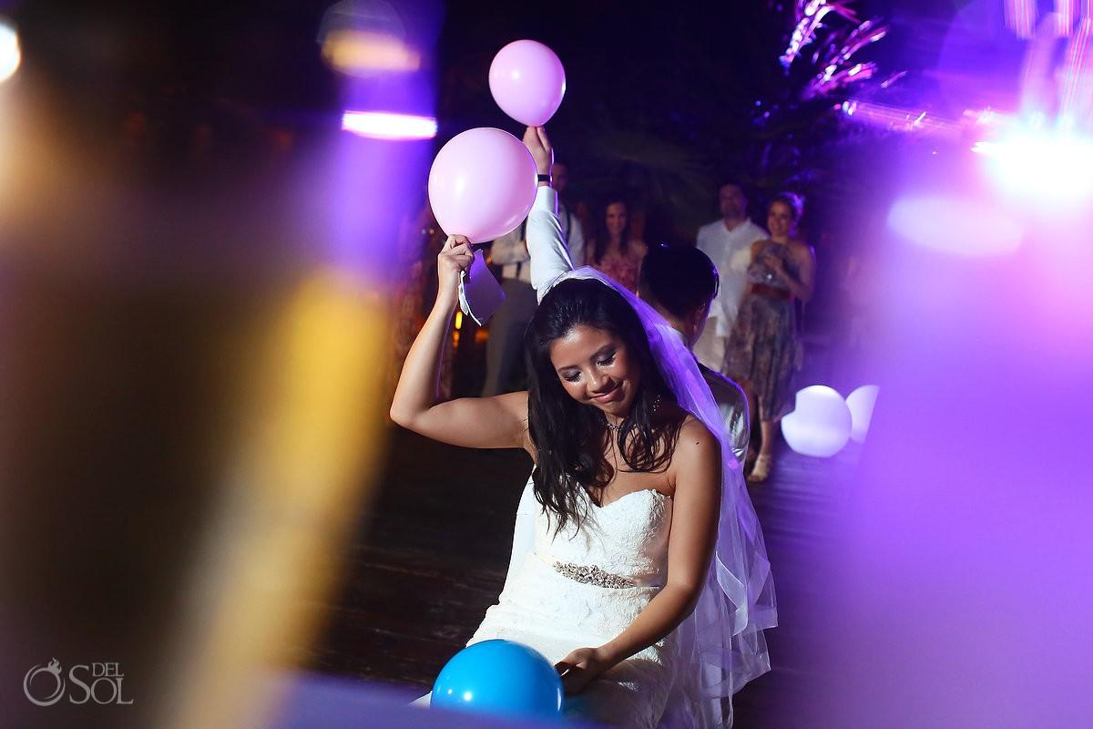 wedding reception game balloon Hotel Grand Sunset Princess, Playa del Carmen, Mexico