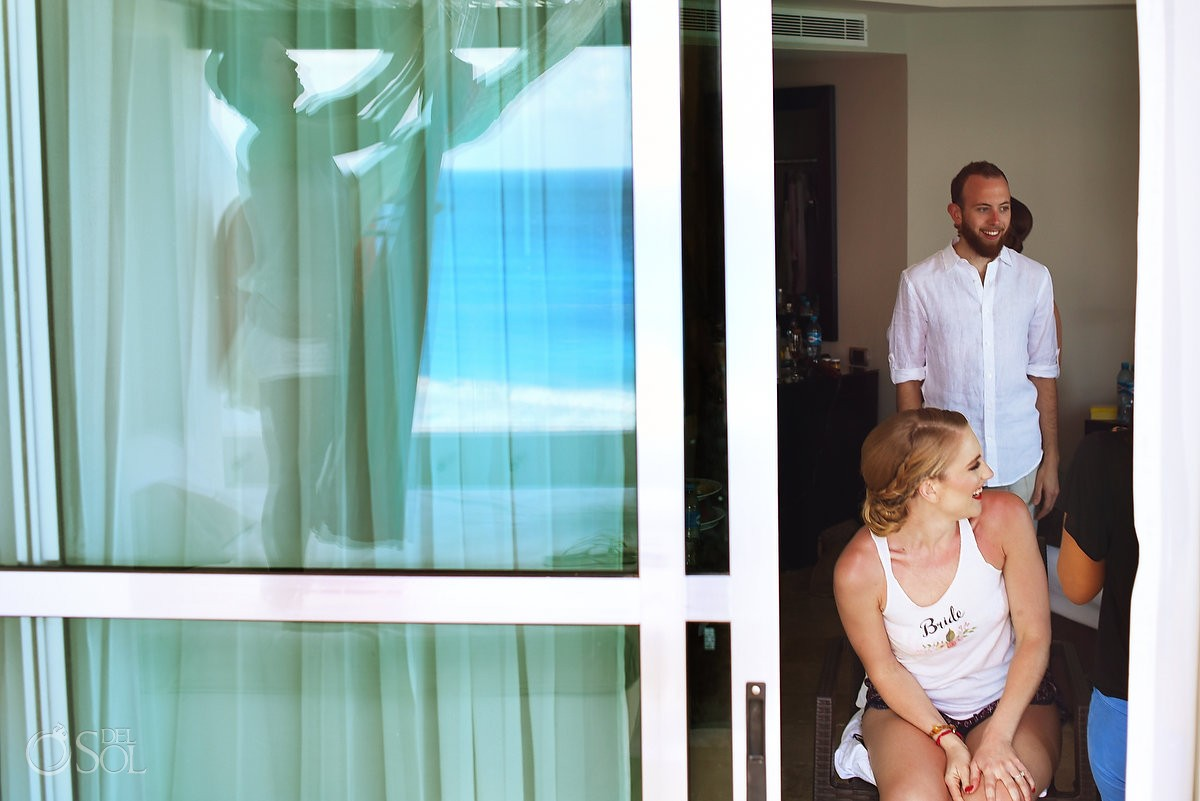 bride getting ready for Wedding at Me Cancun, Mexico