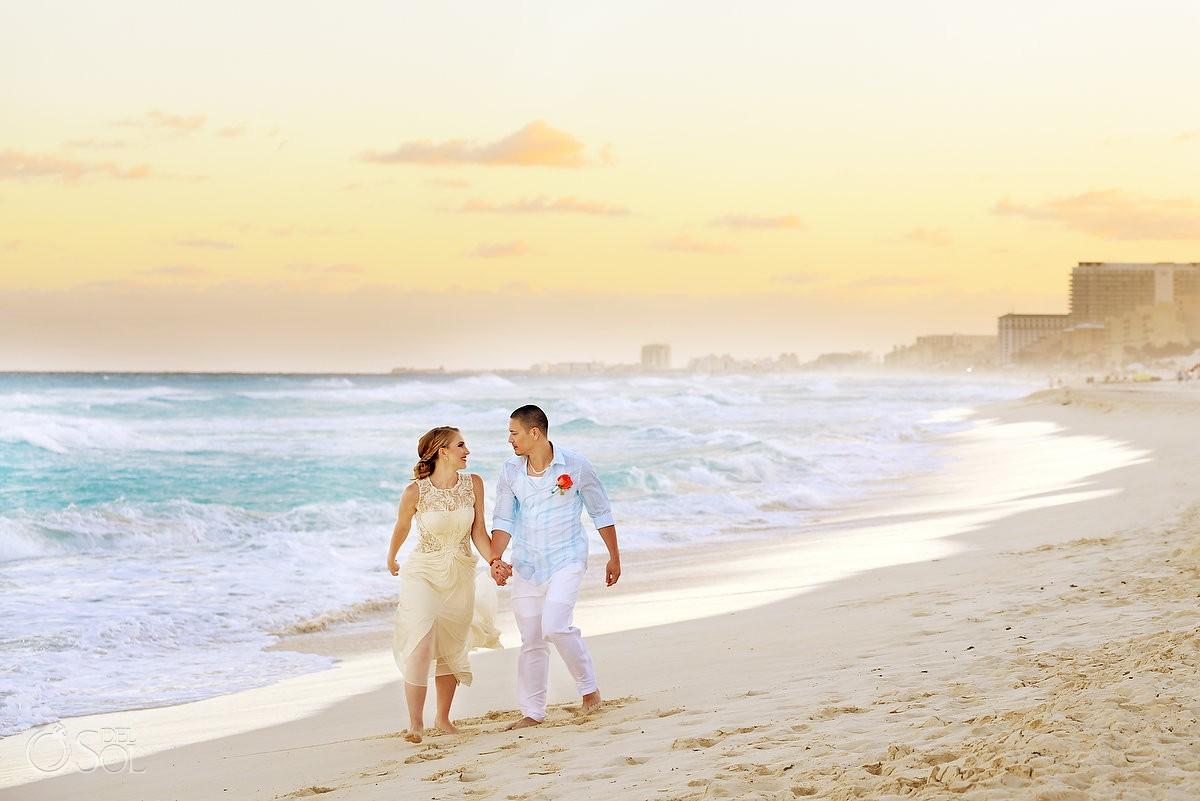 me melia cancun beach wedding photo