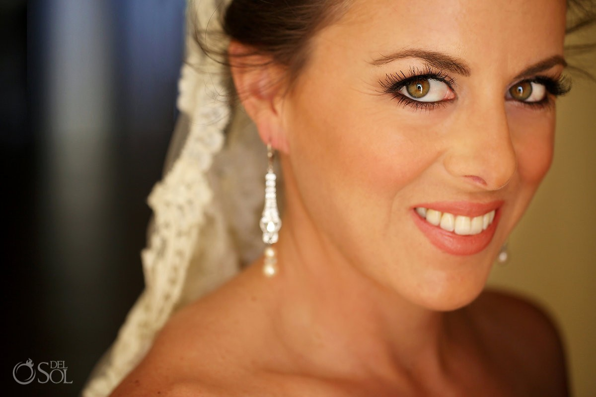 beautiful bridal portrait, wedding Moon Palace, Cancun, Mexico