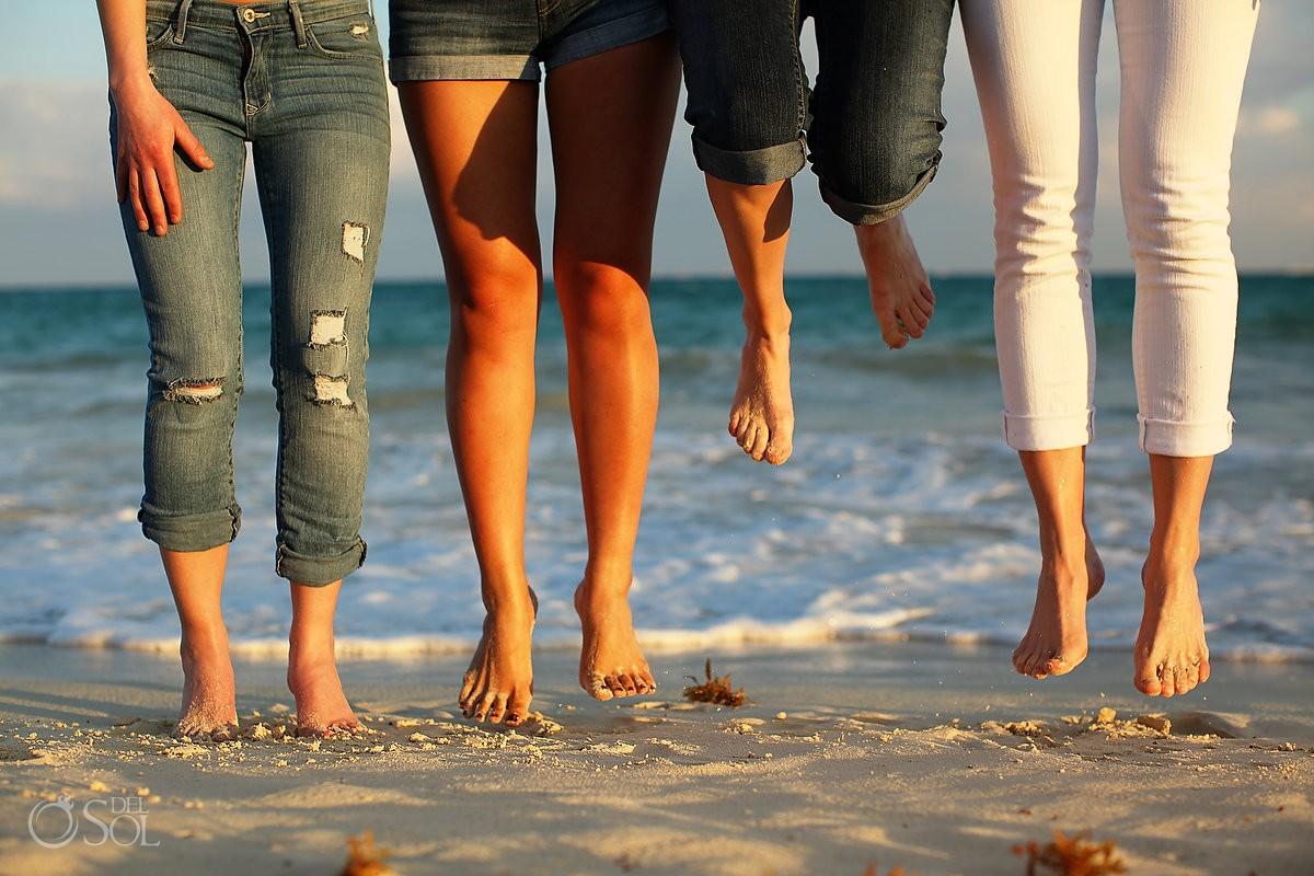jumping feet detail, playa del Carmen fun friends portraits