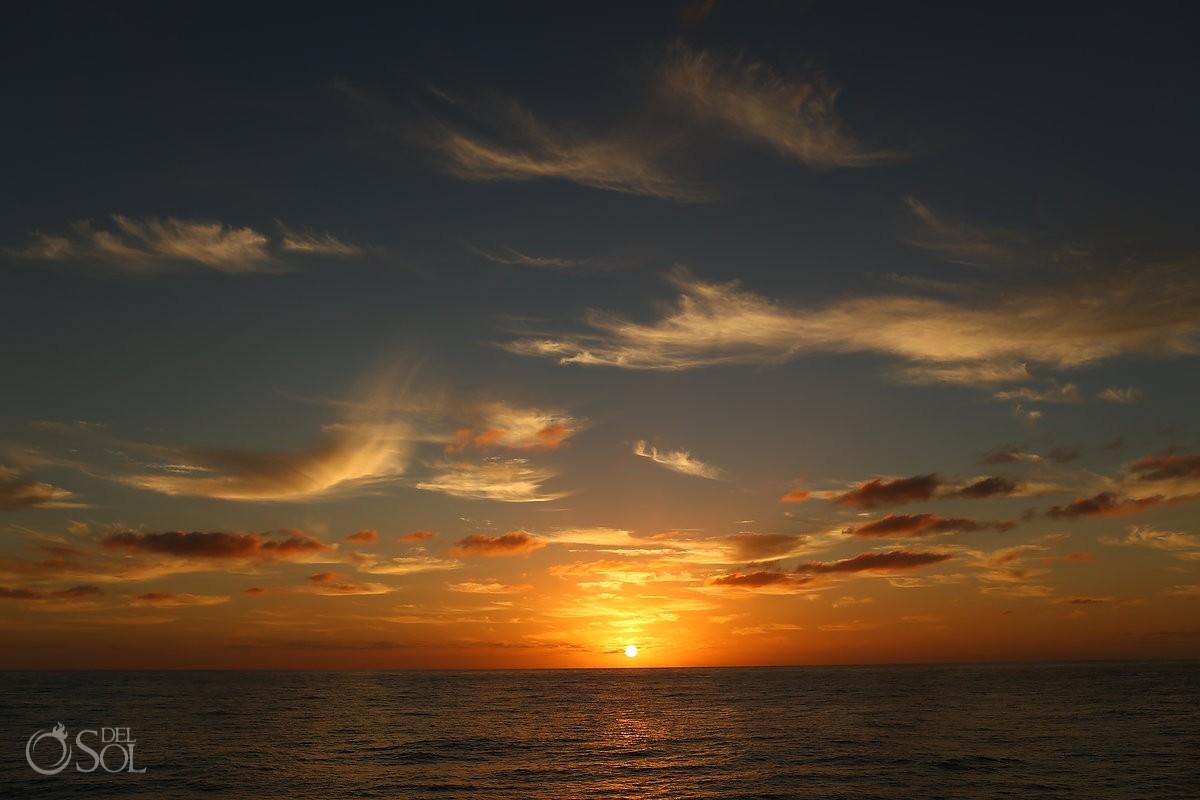 Sunrise Diving live-aboard Revillagigedo Islands Cabo Pulmo