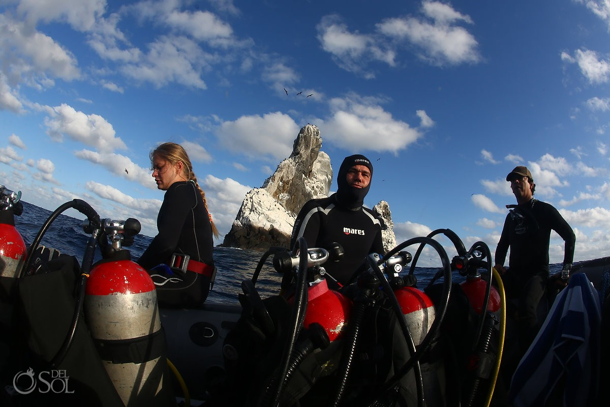 divers scuba tanks Diving live-aboard Socorro Revillagigedo Islands