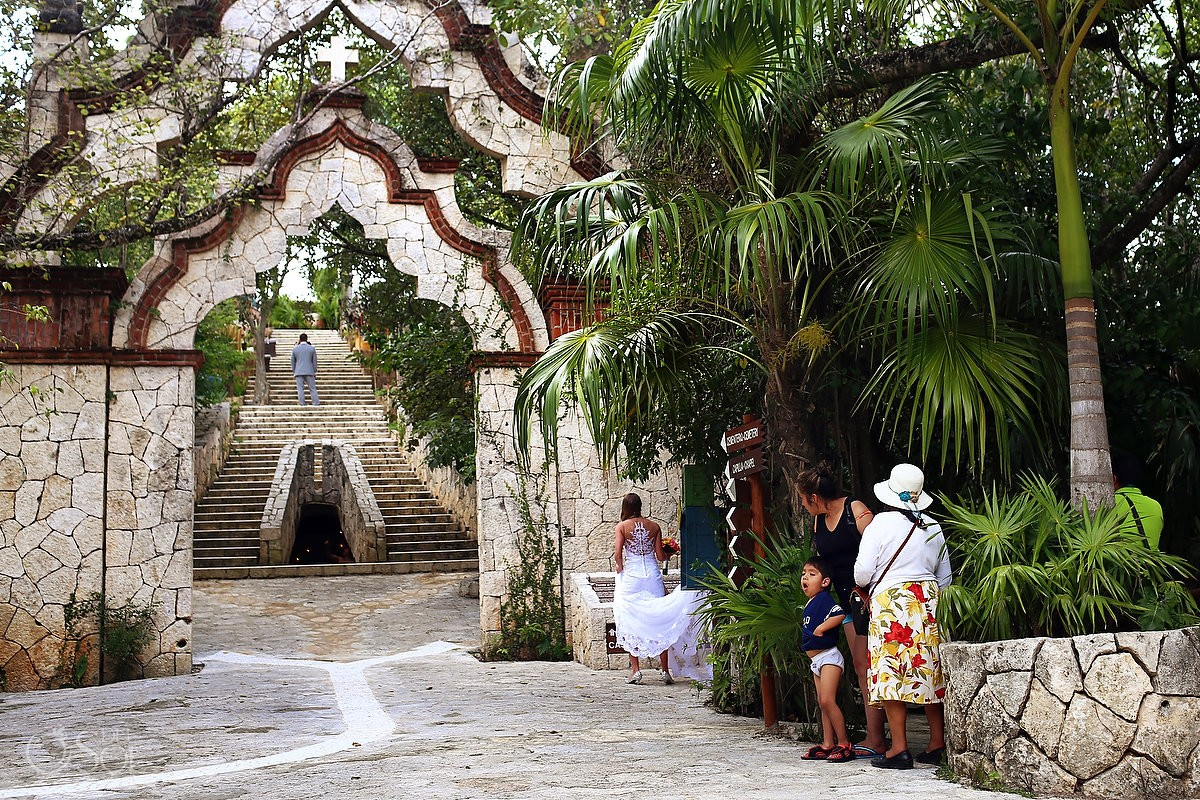 First look Xcaret cemetary arch, Wedding Xcaret Park, Playa del Carmen, Mexico