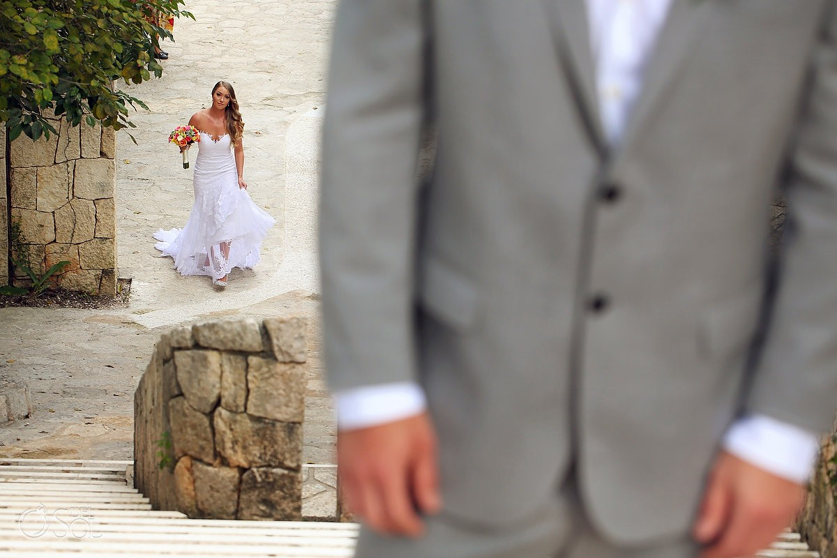 First look Xcaret Park wedding, Playa del Carmen, Mexico