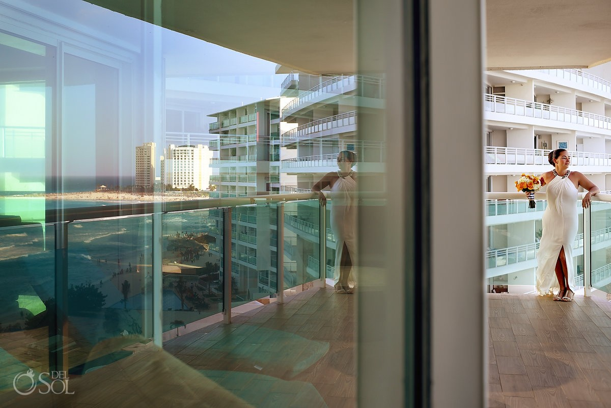 amazing reflection of the caribbean ocean with bride at Porto Fino Condominiums, Cancun