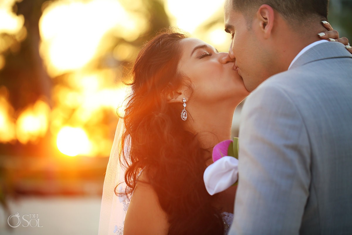 romantic sunset Kiss creative wedding portrait Grand Coral Beach Club, Playa del Carmen, Mexico