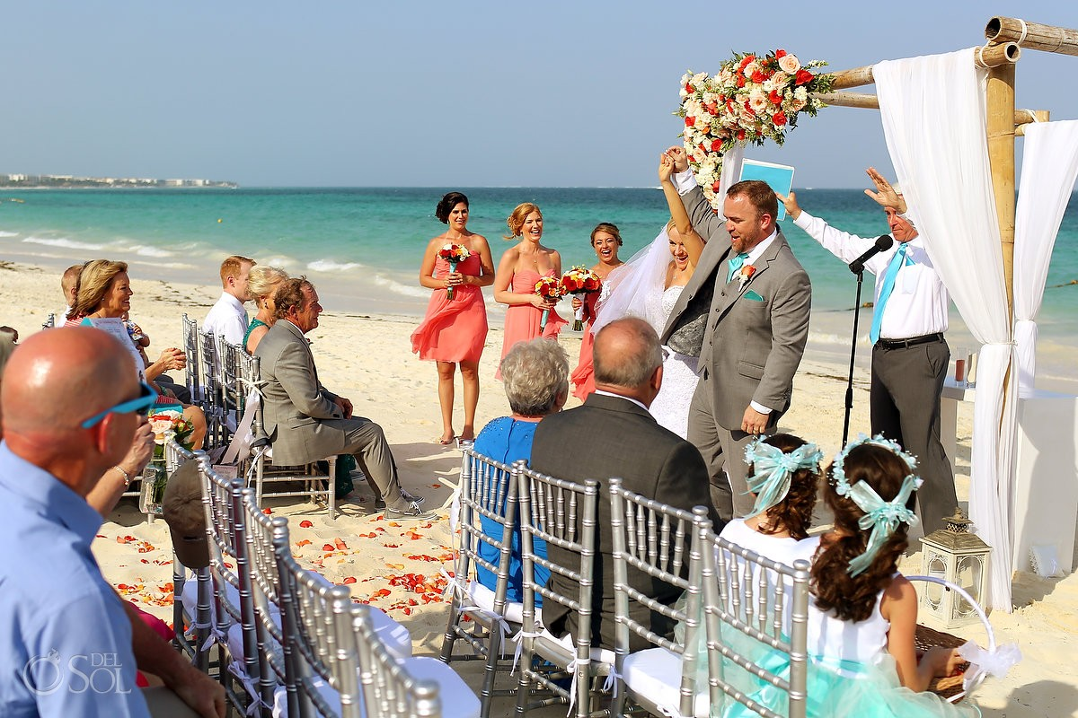 beach wedding Now Sapphire Puerto Morellos, Mexico