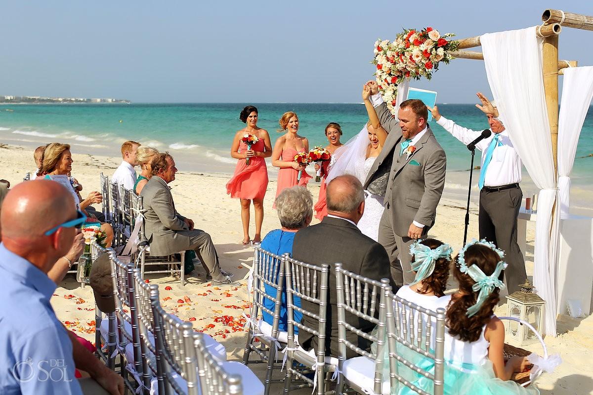 beach wedding Now Sapphire Puerto Morellos, Mexico