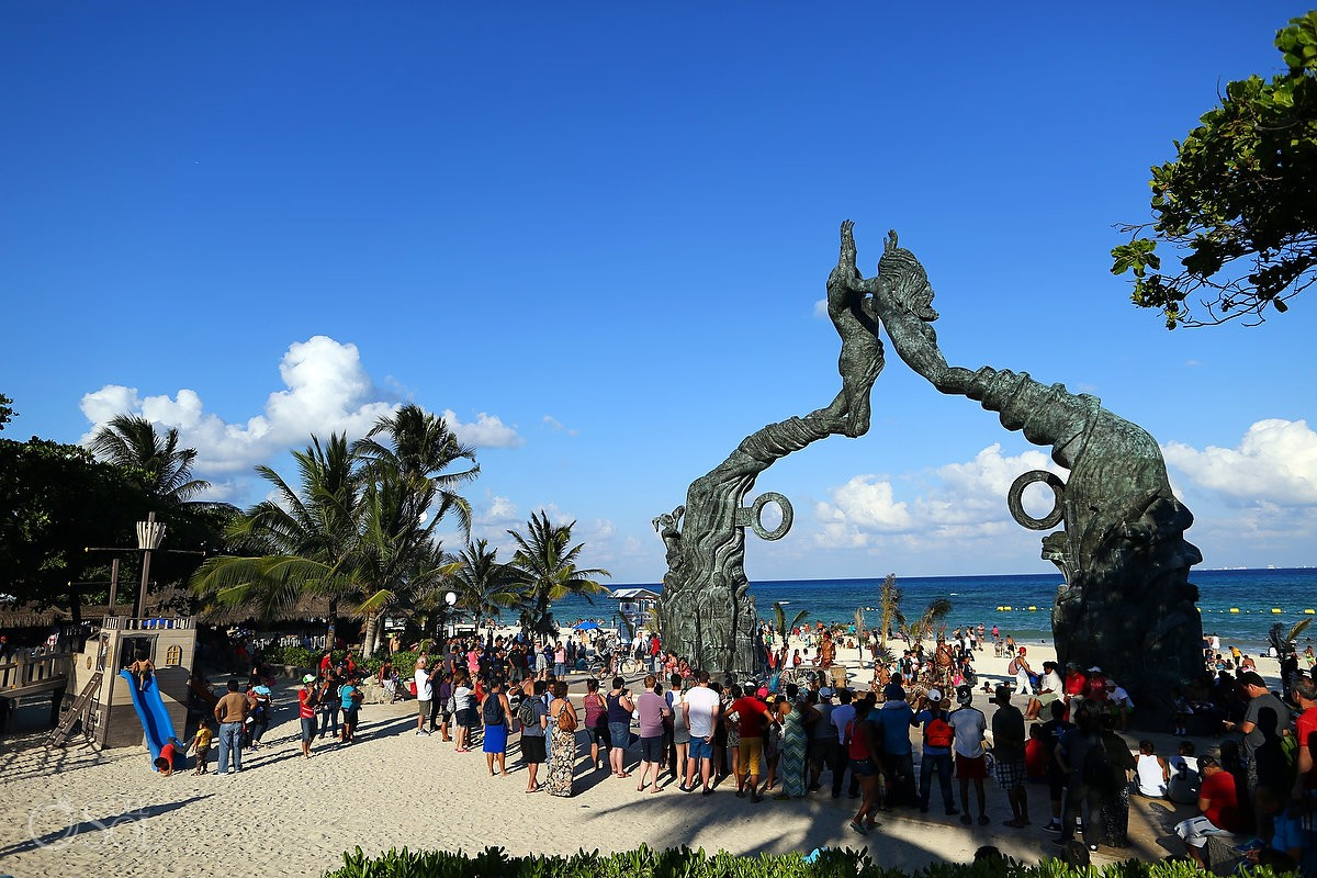 Playa del Carmen Portal Maya Sculpture beach