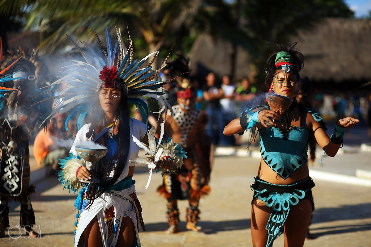 Playa del Carmen Portal Maya Sculpture beach prehispanic dancers