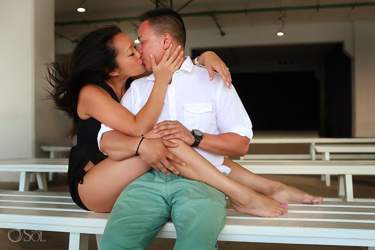 sexy engagement portrait, playa del Carmen, Mexico