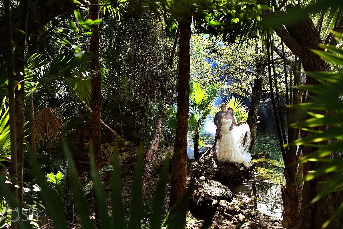 jungle wedding photograph, cenote trash the dress Playa del Carmen