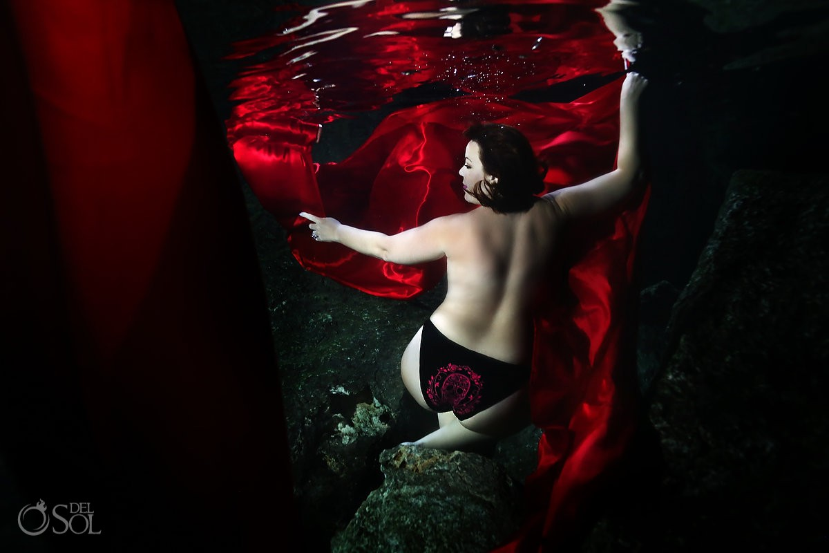 sexy plus size lady Mexican skull panties lingerie red trash the dress underwater photography