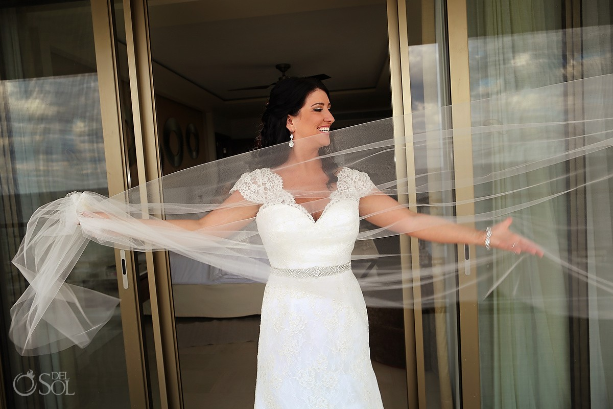 bride veil portrait, Wedding Hotel Royalton Riviera Cancun, Mexico
