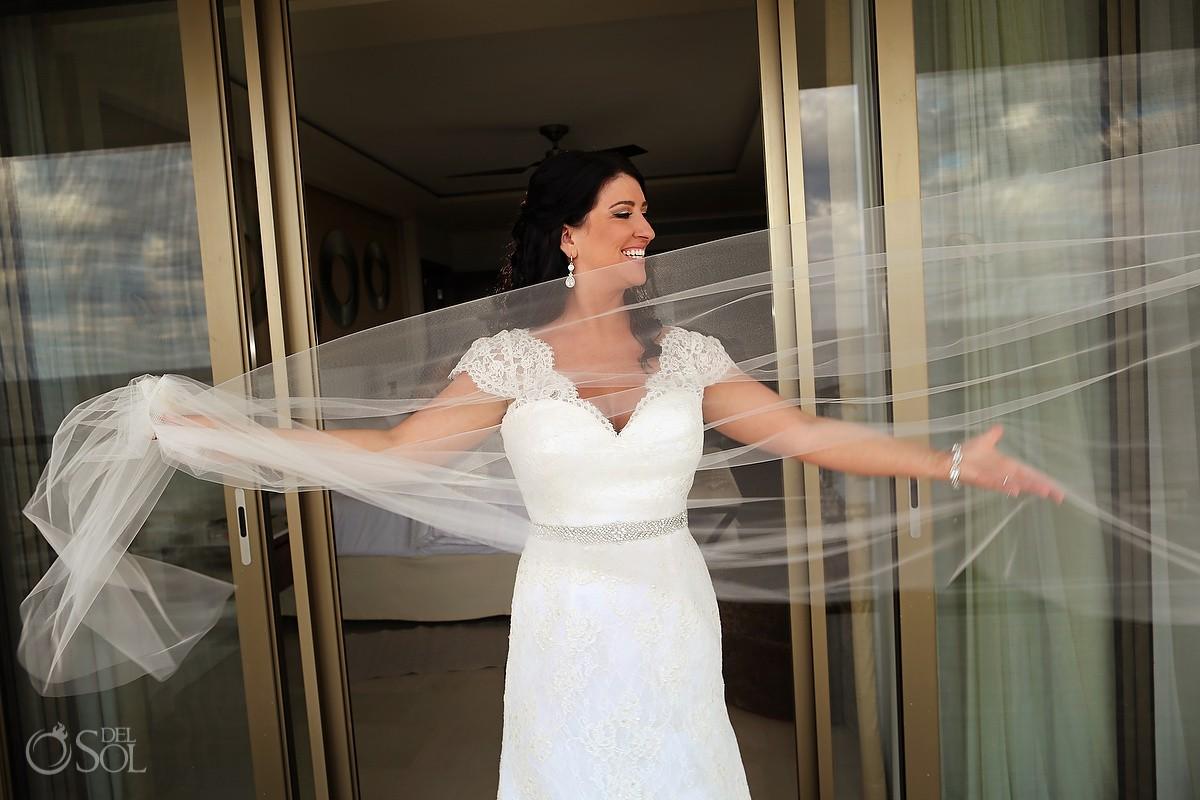 bride veil portrait, Wedding Hotel Royalton Riviera Cancun, Mexico