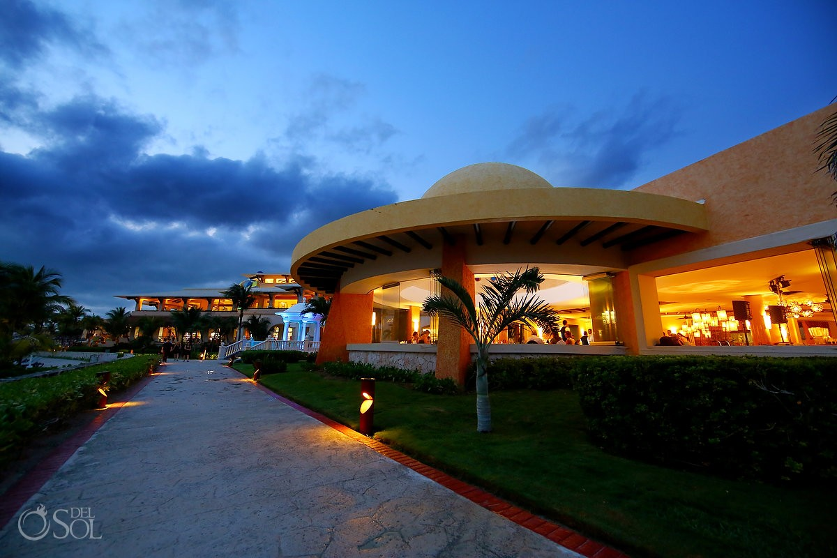 Destination Wedding reception Barcelo Maya Palace Deluxe Goral Grill