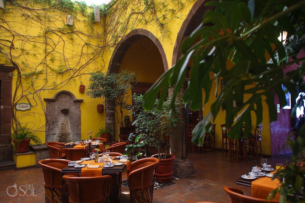 courtyard restaurant Belmond Casa de Sierra Nevada, San Miguel de Allende