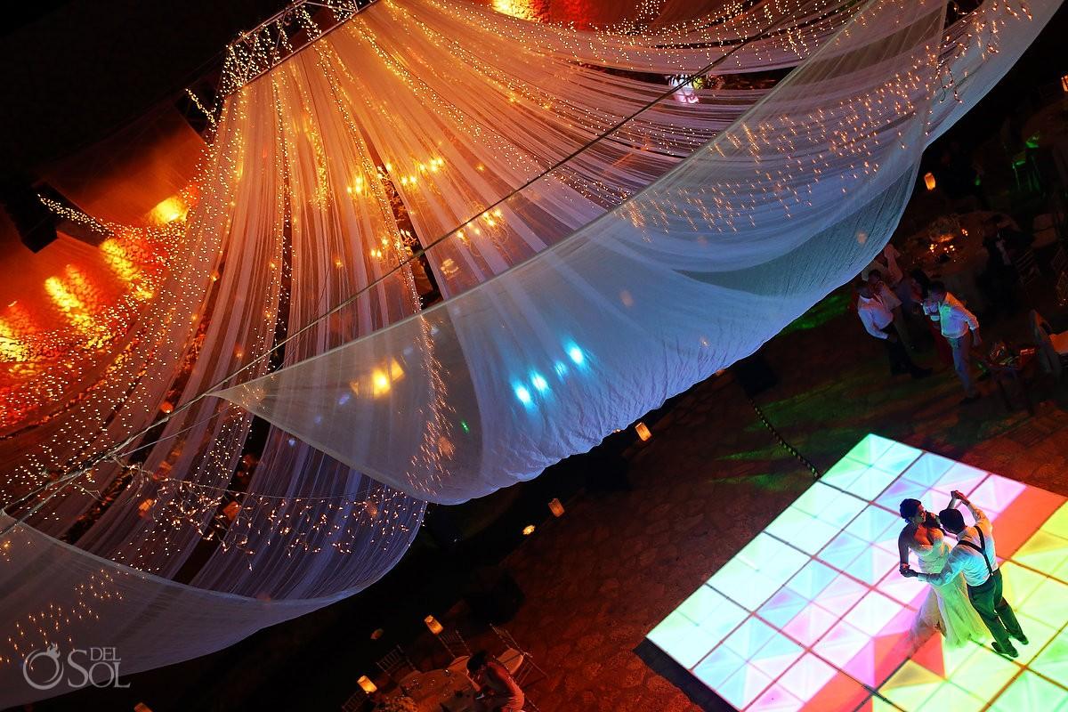 bride groom first dance La Isla Restaurant Xcaret, riviera maya, Mexico