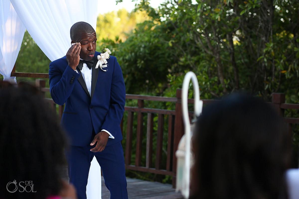 funny wedding photo nervous groom waiting for destination wedding ceremony to start, Gabi Bridge Paradisus, Playa del Carmen, Mexico