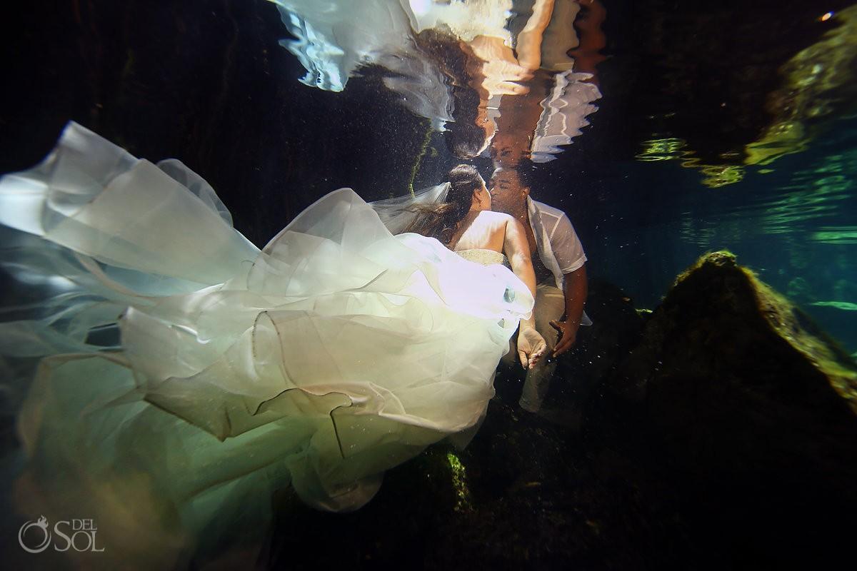 underwater wedding photography cenote trash the dress Riviera Maya Mexico