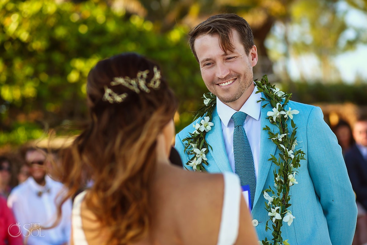 mexico destination wedding groom with Maile Lei is taken from Hawaiian tradition.