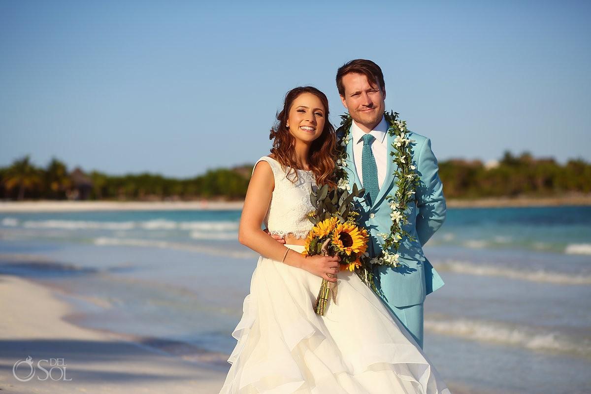 Esencia Beach Wedding Video-dog-ruff-ers